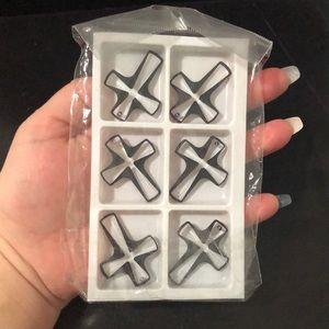 6 Swarovski crosses ✝️